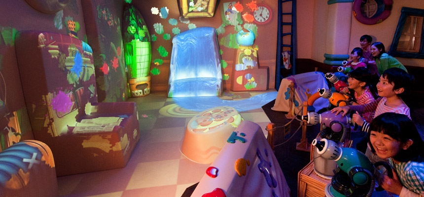 image of Goofy's Paint 'n' Play House2