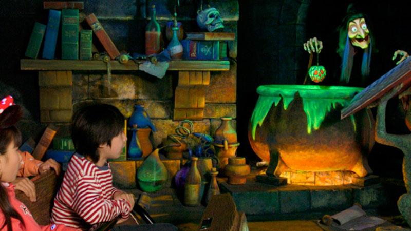 image of Snow White's Adventures