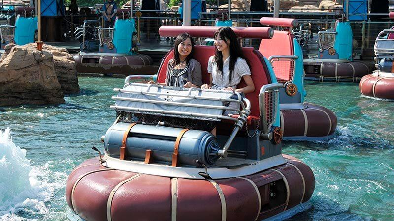 水上逗趣船的圖像