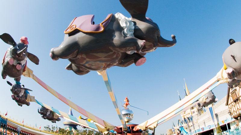 ภาพ ช้างน้อยดัมโบ้ท่องฟ้า