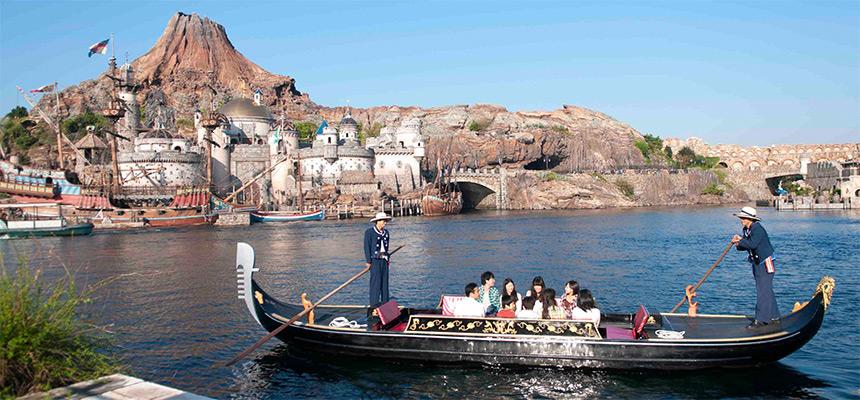 gambar Venetian Gondolas1