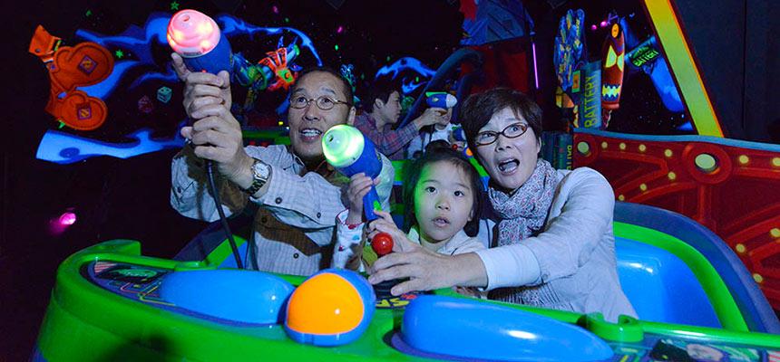 image of Buzz Lightyear's Astro Blasters3