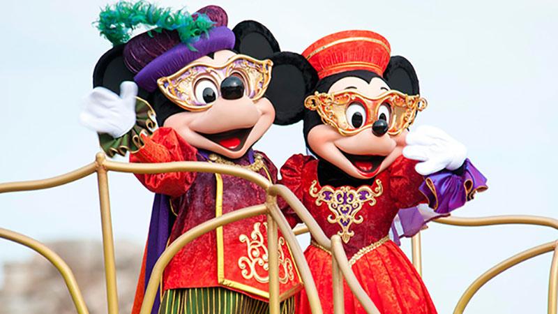 「ディズニー・ハロウィーン」を2パークで、思いっきり楽しみたい方、必見!パレードが特別鑑賞席からゆったり楽しめちゃいます♪のイメージ