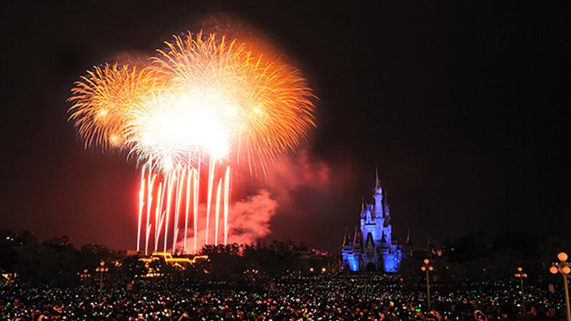 新年の幕開けは「東京ディズニーリゾート・バケーションパッケージ」の「年越しプラン」でハピネスな初夢をみませんか!のイメージ