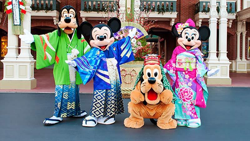 【広報リリース】東京ディズニーランド・ 東京ディズニーシーのお正月のイメージ