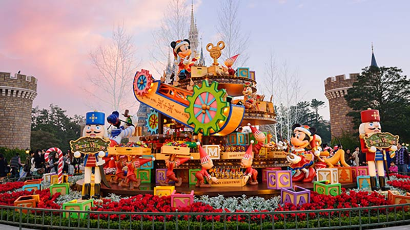 クリスマスの準備で大忙しのディズニー・サンタヴィレッジをのぞいてみよう!のイメージ