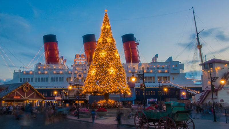 「ディズニー・クリスマス」を東京ディズニーリゾート・バケーションパッケージで楽しもう!のイメージ