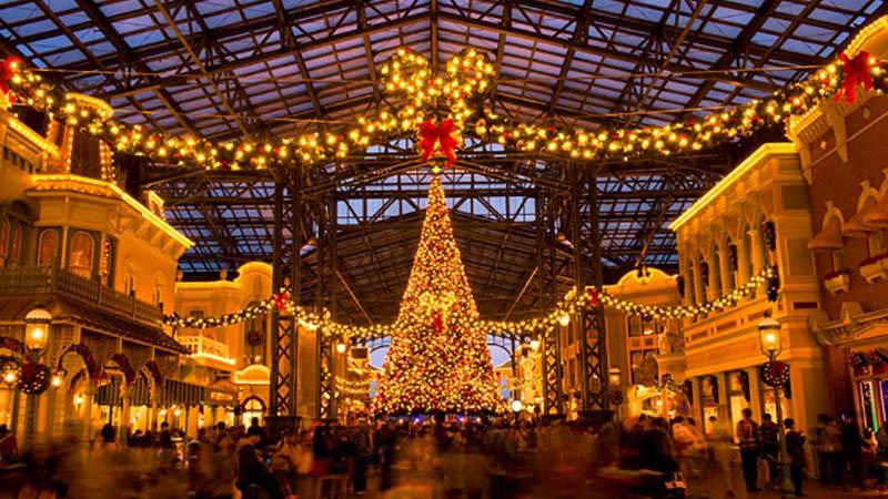 幸せあふれるクリスマスムードでいっぱいの東京ディズニーランド♪のイメージ