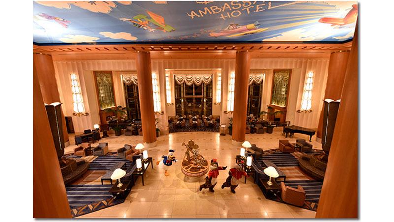"""「イマジニング・ザ・マジック」三好和義さんの""""魔法の瞬間""""。「ディズニーアンバサダーホテル」を撮影していたらあのキャラクターたちが・・・!?のイメージ"""