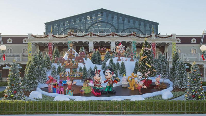 クリスマスイベント真っ盛りのパークで出会うキャストは・・・のイメージ
