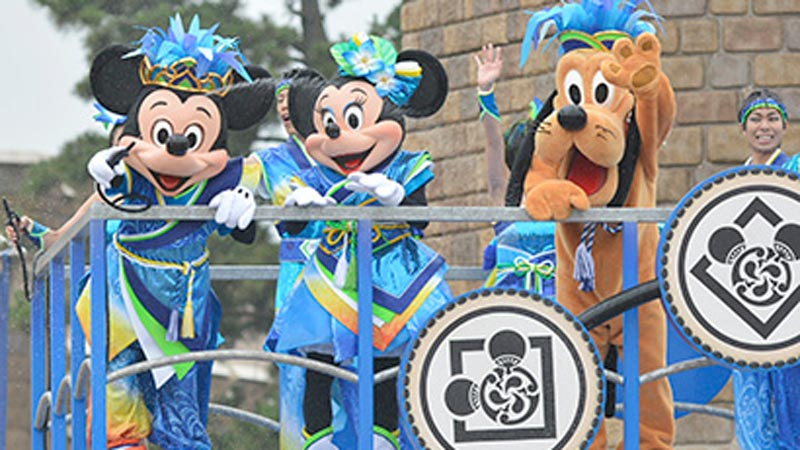 ディズニーの仲間たちの夏限定コスチュームを楽しもう!のイメージ