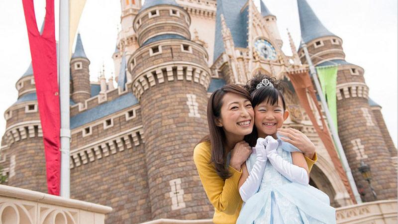 記念日の新しいお祝いのカタチ、「ディズニーフォトツアー」予約受付スタート!のイメージ