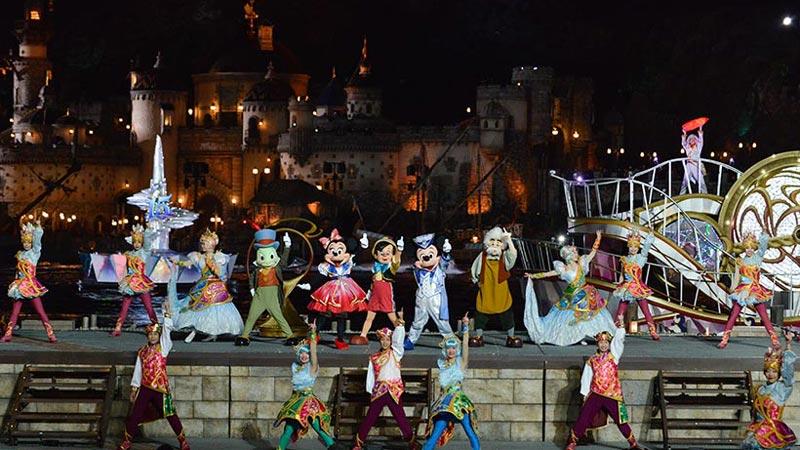 """夜ならではのお楽しみも!東京ディズニーシー15周年""""ザ・イヤー・オブ・ウィッシュ""""~グランドフィナーレ~のイメージ"""