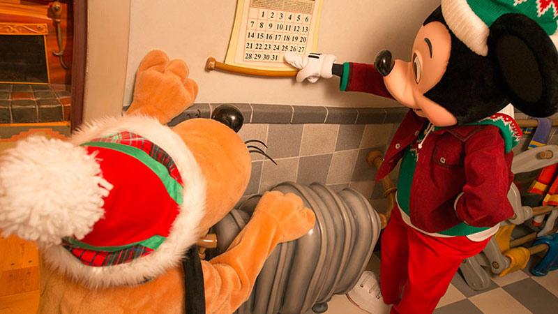ミッキーの家でクリスマスの準備中☆のイメージ