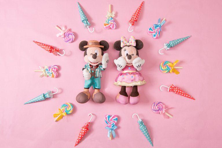 ミッキーとミニーのぬいぐるみバッジの画像