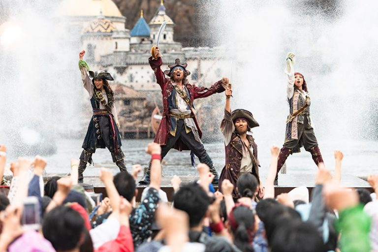海賊団がメディテレーニアンハーバーを占拠中の画像