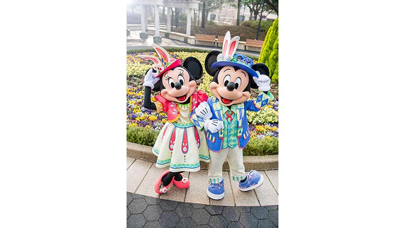 ミッキーマウスとミニーマウスが春らしいイースターならではのコスチュームをひとあし早くお披露目!のイメージ