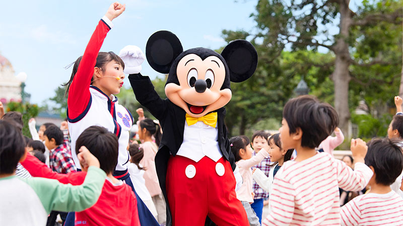 ディズニーの仲間たちと一緒に「ジャンボリミッキー!」を踊ろう!のイメージ