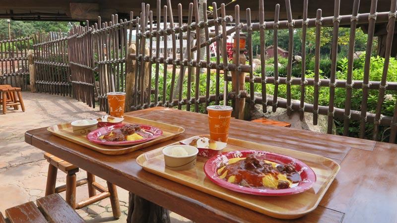 あのレストランのテラス席で、おいしいメニューと景色を味わおう!のイメージ