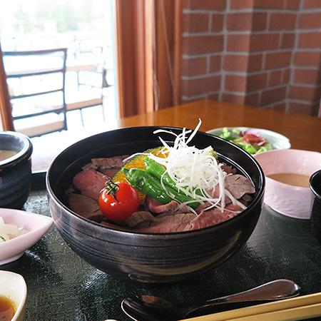 食欲の秋にぴったり!「レストラン櫻」のボリューミーなメニューのイメージ