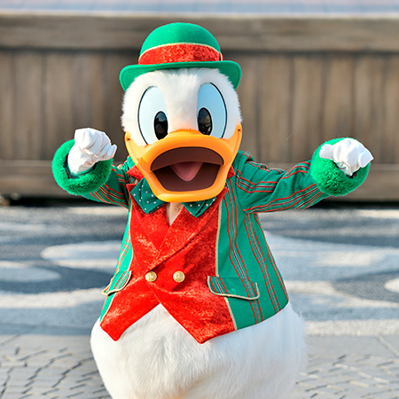 東京ディズニーランドと東京ディズニーシーは、11月10日(火)からクリスマスらしい華やかな装いに!のイメージ