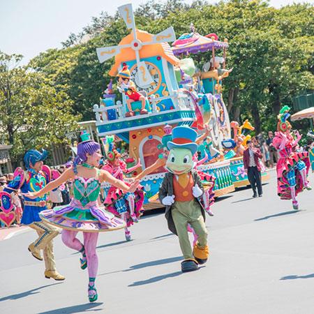 エンターテイメントの魔法にかけられて~ショー&パレード特集編~のイメージ