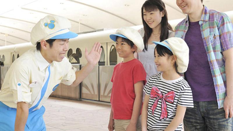 お子様の夏休みの思い出に!東京ディズニーリゾートで特別な体験♪のイメージ