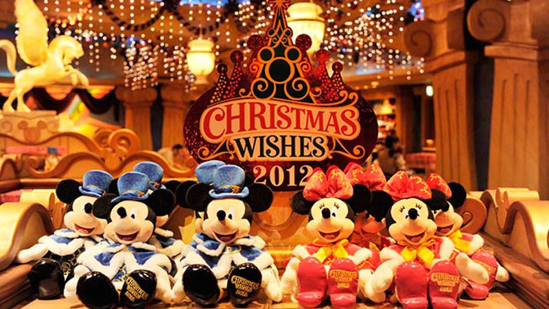 東京ディズニーシーのクリスマス新コスチュームをまとったグッズが登場!!のイメージ