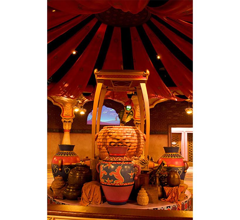 東京ディズニーシーのアラビアンコースト「マジックランプシアター」の内観画像