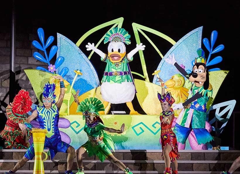 ドナルドのホット・ジャングル・サマーのショーの画像
