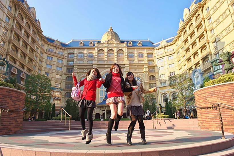 ホテル宿泊イメージ