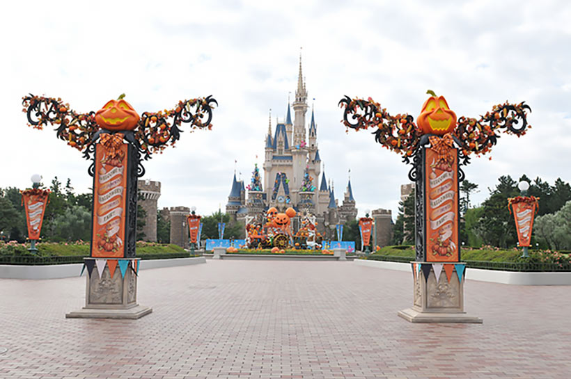 東京ディズニーランド「ディズニー・ハロウィーン」のデコレーションの画像1
