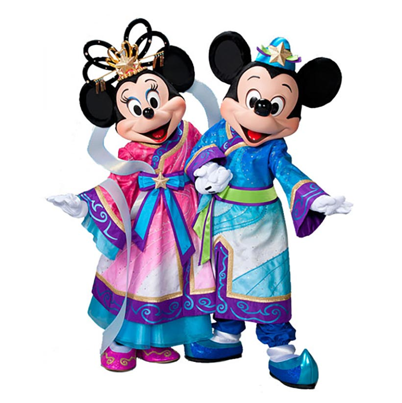 彦星と織姫に扮したミッキーマウスとミニーマウスの画像