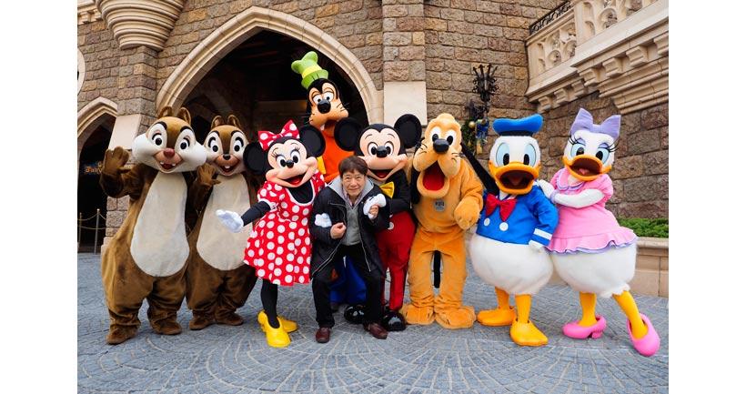 ミッキーと仲間たちとハービー・山口さんの画像