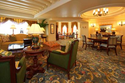 東京ディズニーランドホテルの最高級スイートの客室画像