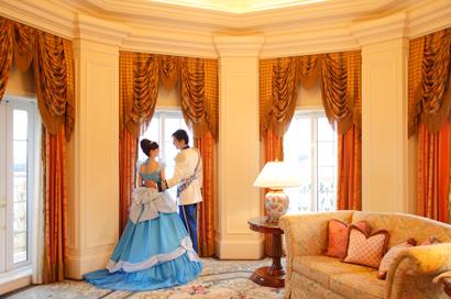東京ディズニーランドホテルの最高級スイートの客室画像②