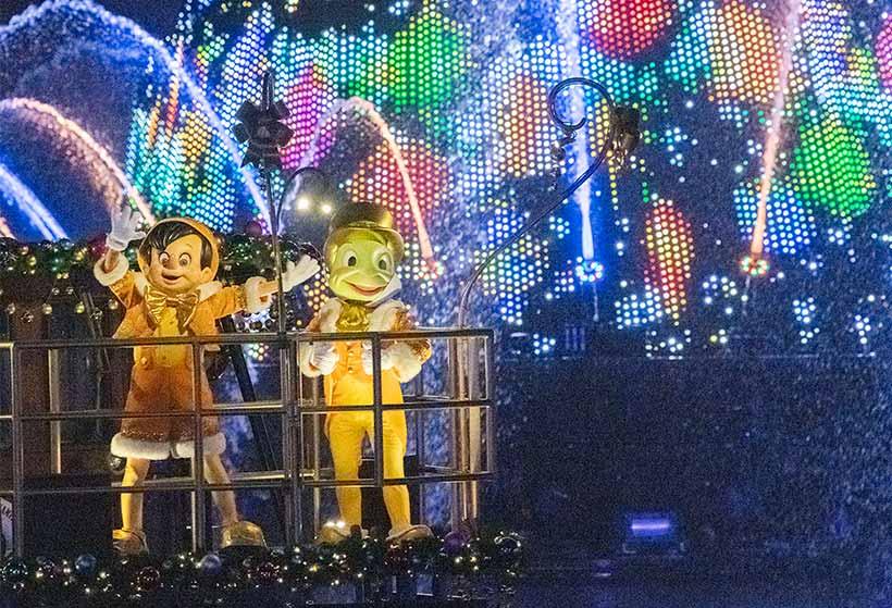 カラーオブクリスマスのピノキオとジミニーの画像