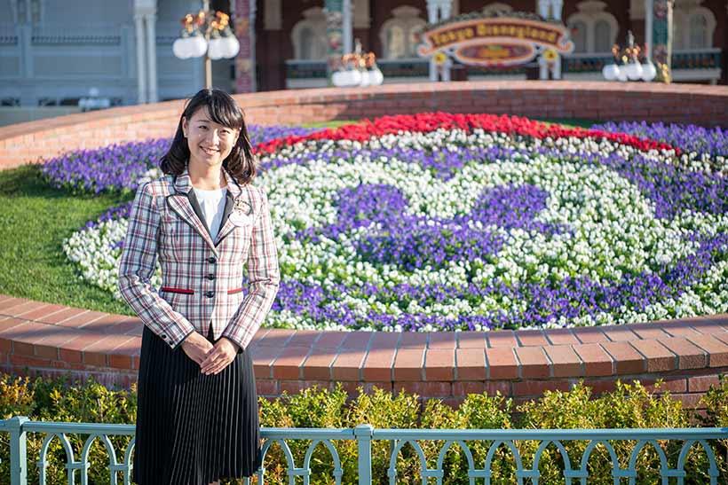 東京ディズニーリゾート背景の野口歩美さん