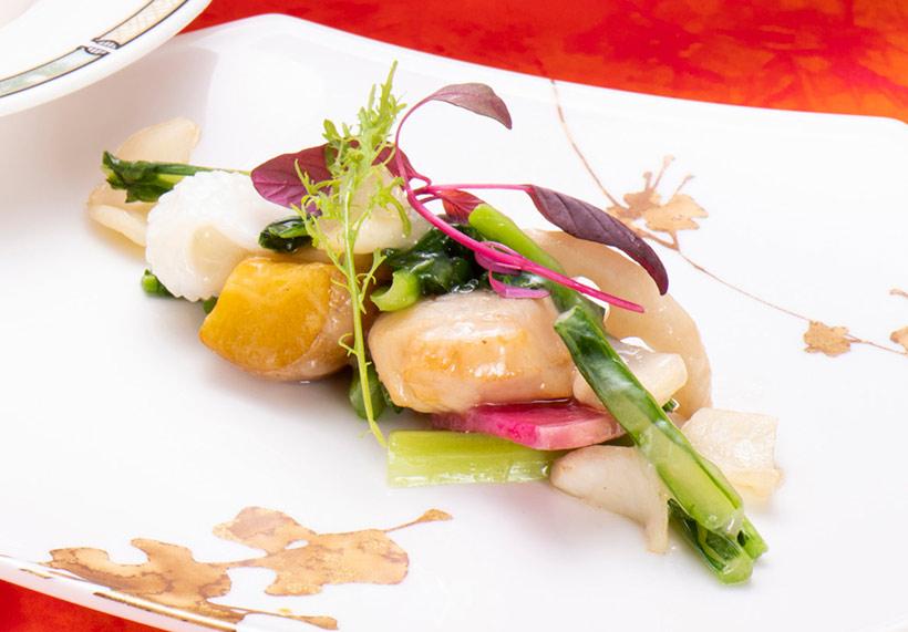 帆立貝と烏賊と野菜の炒め(ランチコース)の画像
