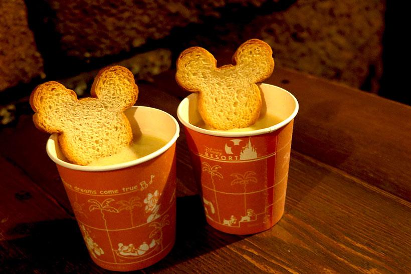 東京ディズニーリゾート・アプリ,ラッキープラス春のもぐもぐキャンペーン,ミッキーシェイプのラスク,スープ