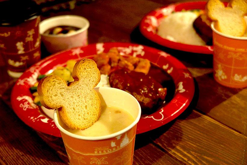 東京ディズニーリゾート・アプリ,ラッキープラス春のもぐもぐキャンペーン,ミッキーシェイプのラスク,ハンバーグ,スープ,セット