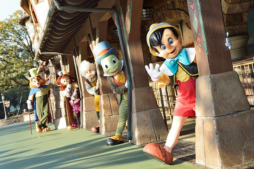 ピノキオたちが勢揃いしている画像