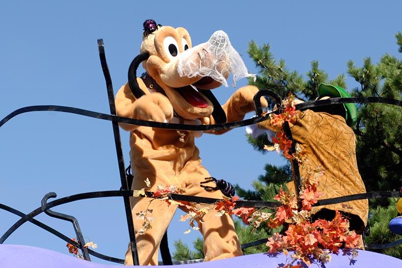 「ディズニー・ハロウィーン・ハッピーホーンテッド・パレード」の画像①