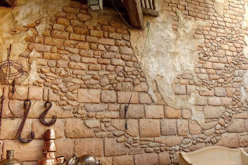 茶色いレンガで造られた壁