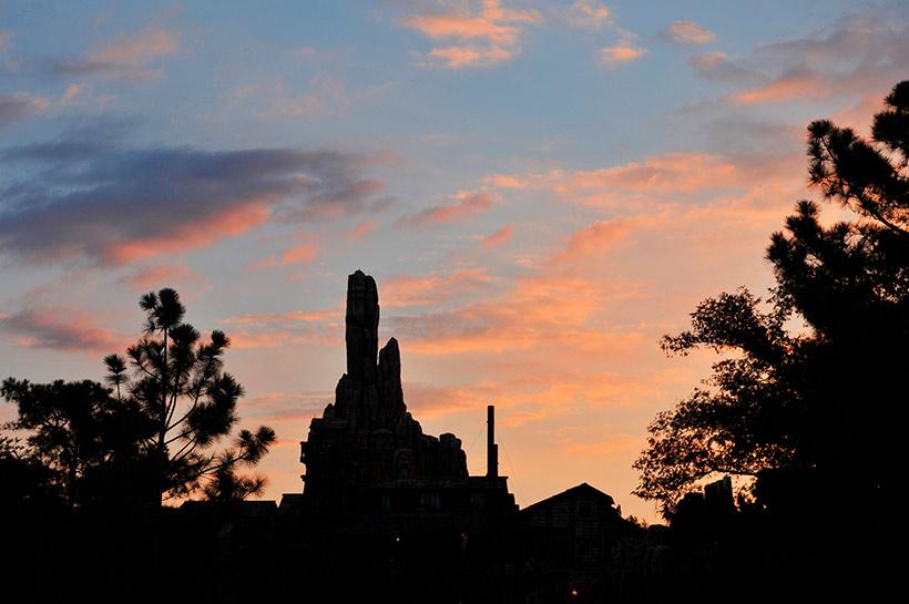 ビッグサンダー・マウンテンの夕景画像