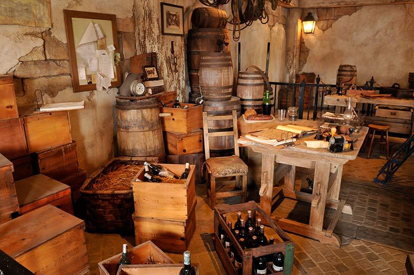 オリーブオイルやワインの樽の画像