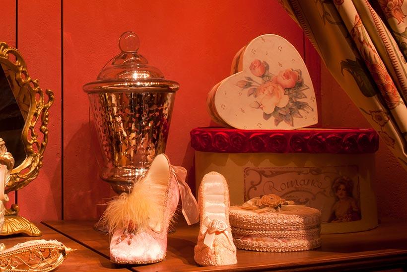 ハート形のプレゼントボックスの画像