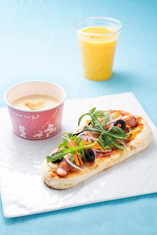 メキシカンナンドッグと冷製コーンスープのスペシャルセットの画像