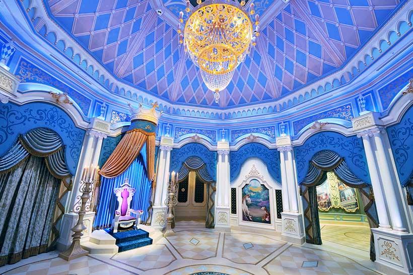 シンデレラのフェアリーテイル・ホールの内観