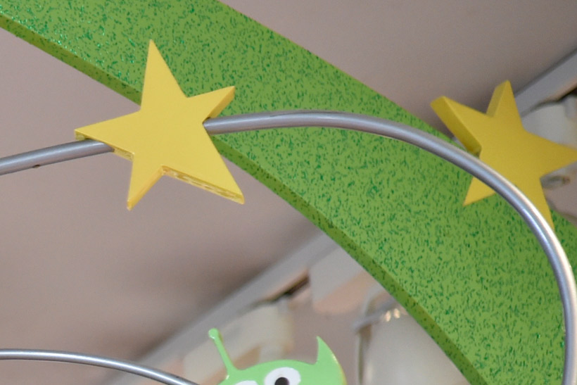 緑の背景にある星